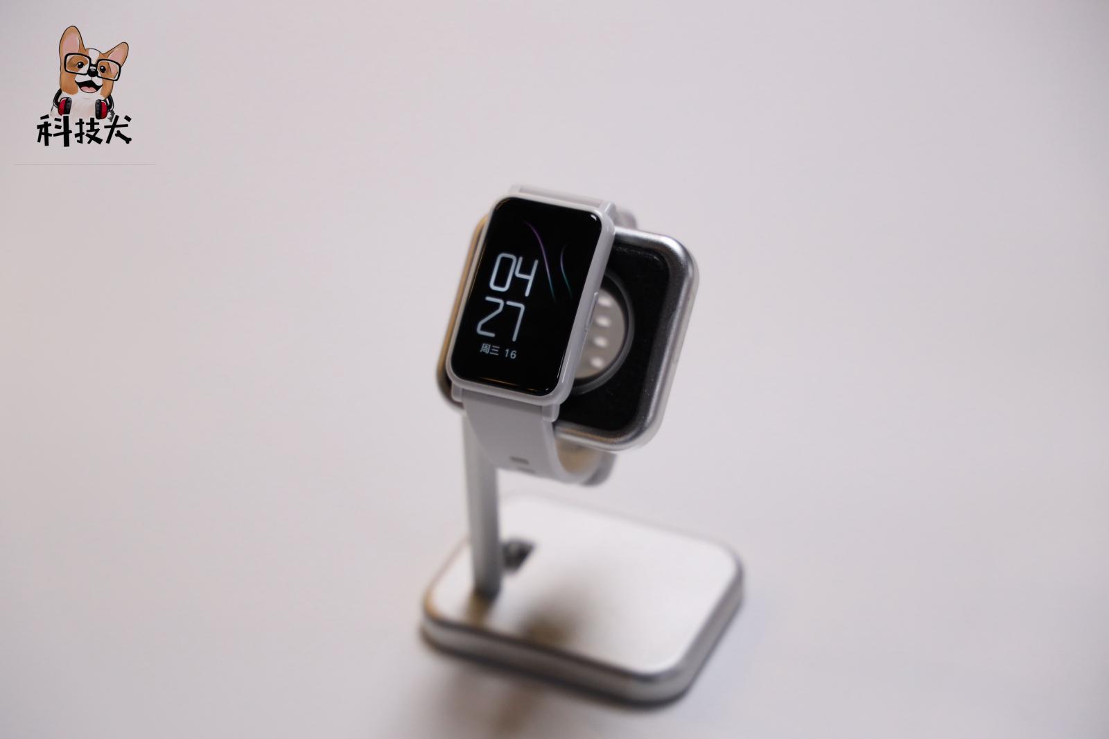 「科技犬」Apple Watch SE对比荣耀手表ES,选谁
