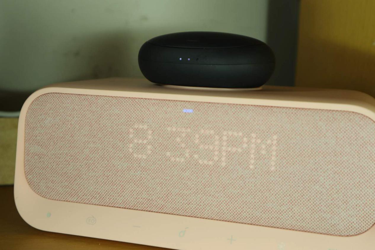 猛男专属桌面小精灵——Soundcore Wakey多功能音箱!