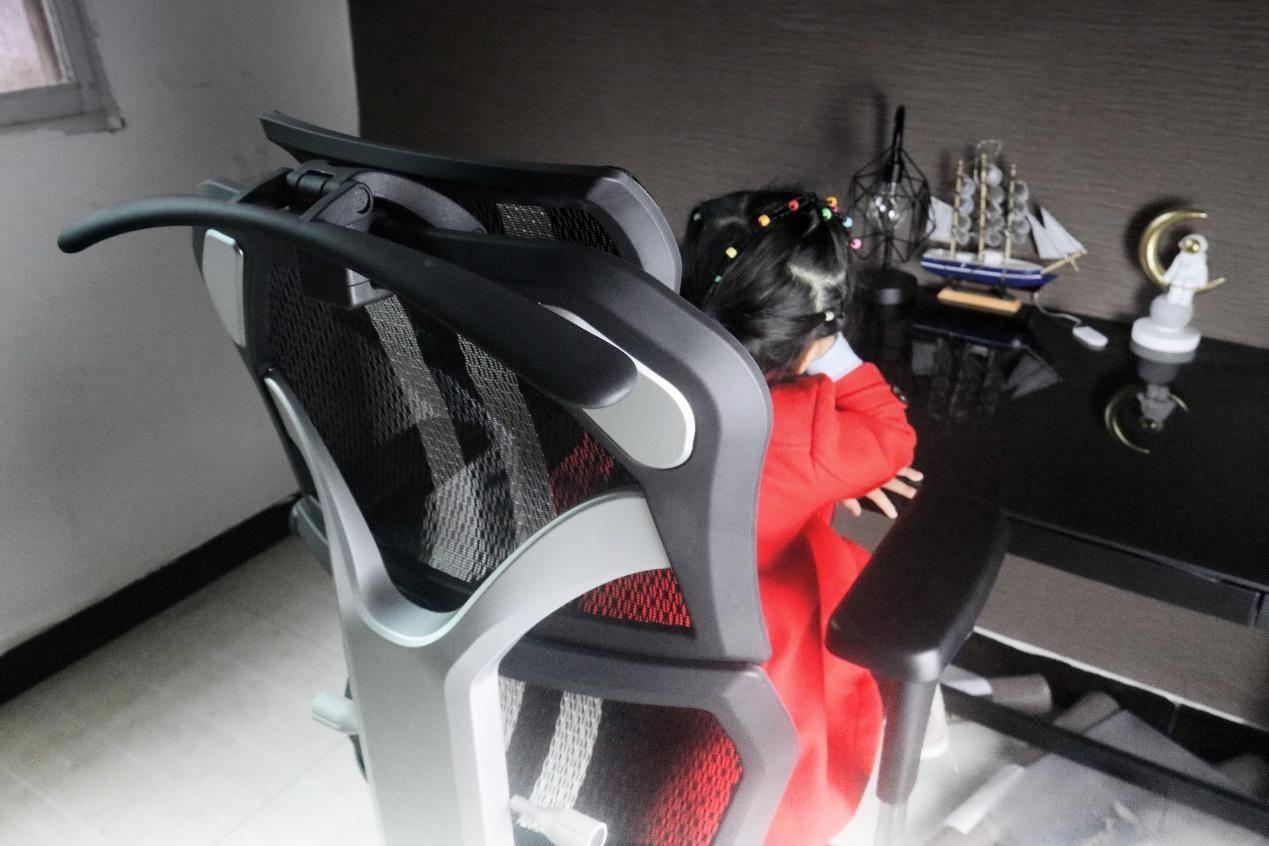 完全可调,新电竞人体工学椅享耀家X5不一般