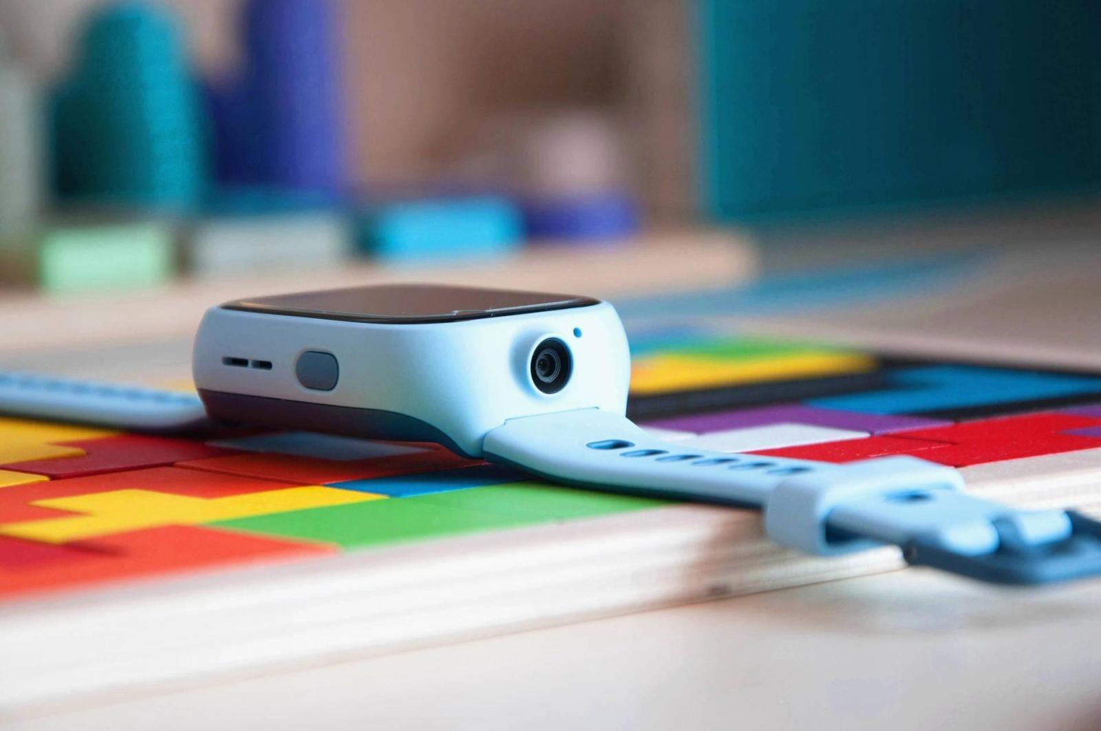 小米上新:米兔电话手表4X,双摄全网通支持AI识别还能学英语