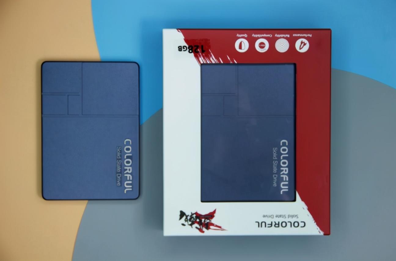 七彩虹战戟系列SSD发布;神舟战神S7系列游戏本开卖