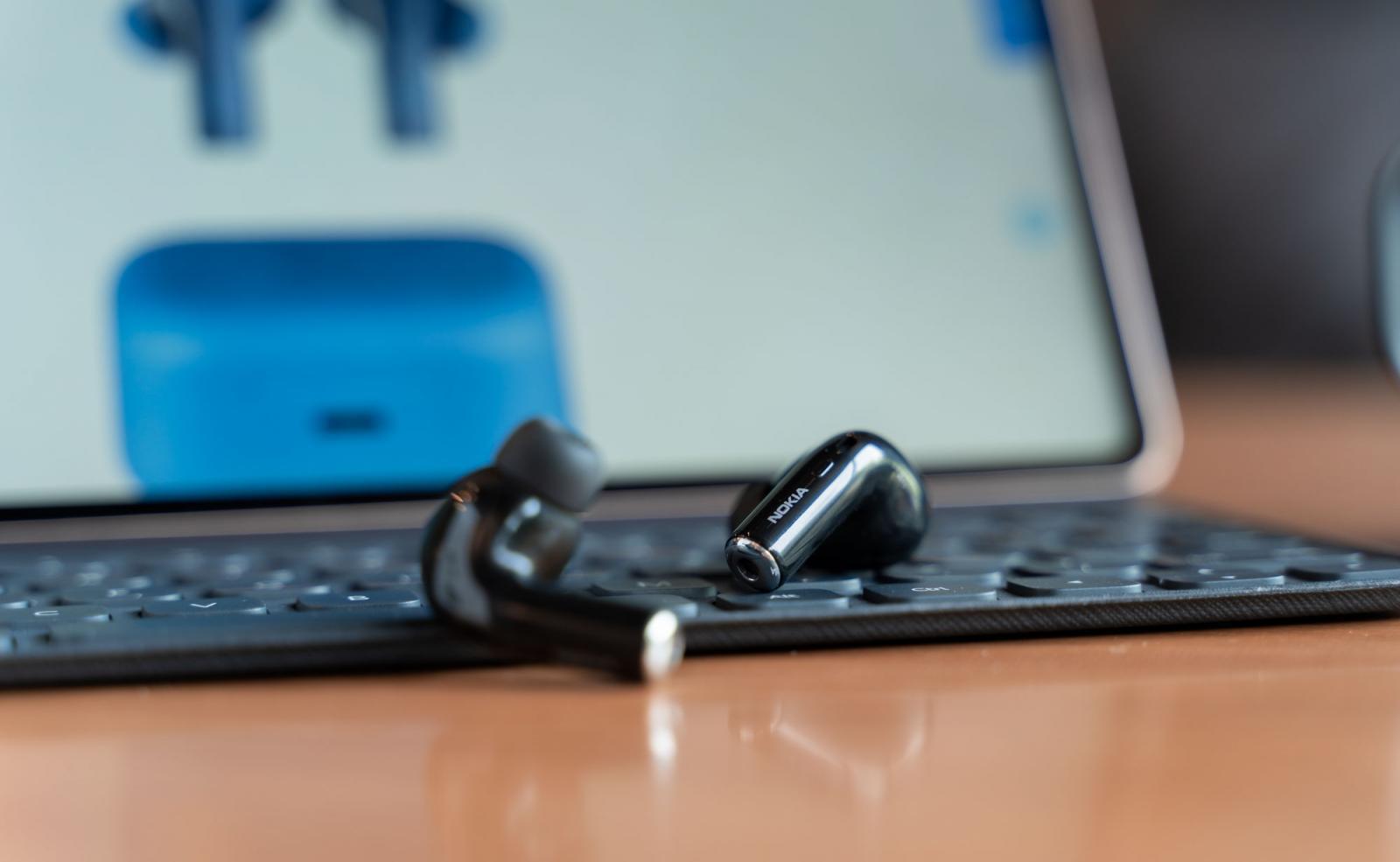 带降噪和环境声模式,售价还很亲民,这是诺基亚出的真无线耳机