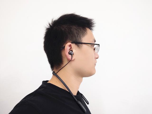 """西圣蓝牙耳机:12mm大尺寸喇叭,双边立体声让耳朵""""怀孕"""""""