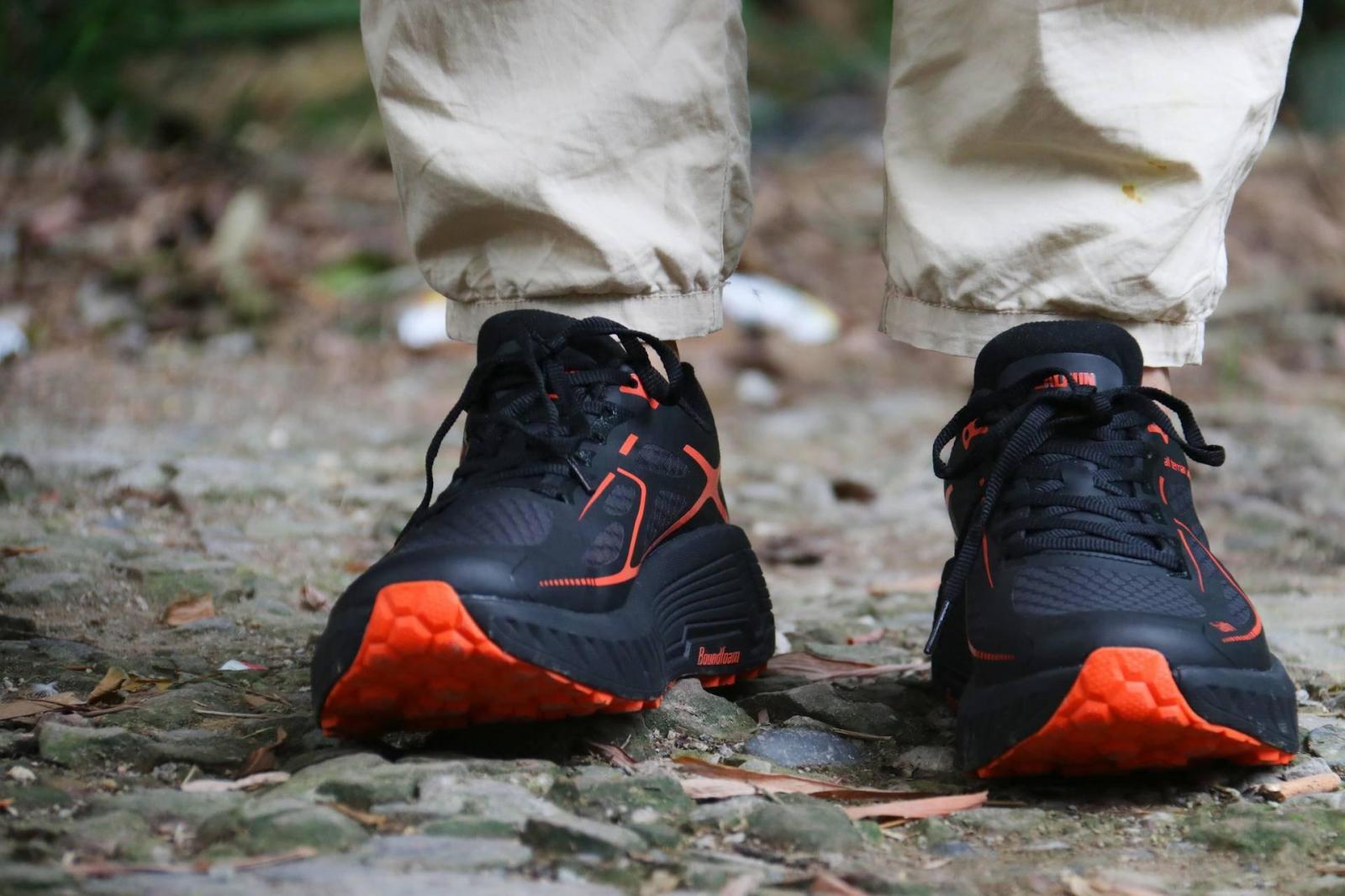 国产跑鞋你会选吗?这款其貌不扬的实用跑鞋你怎么看