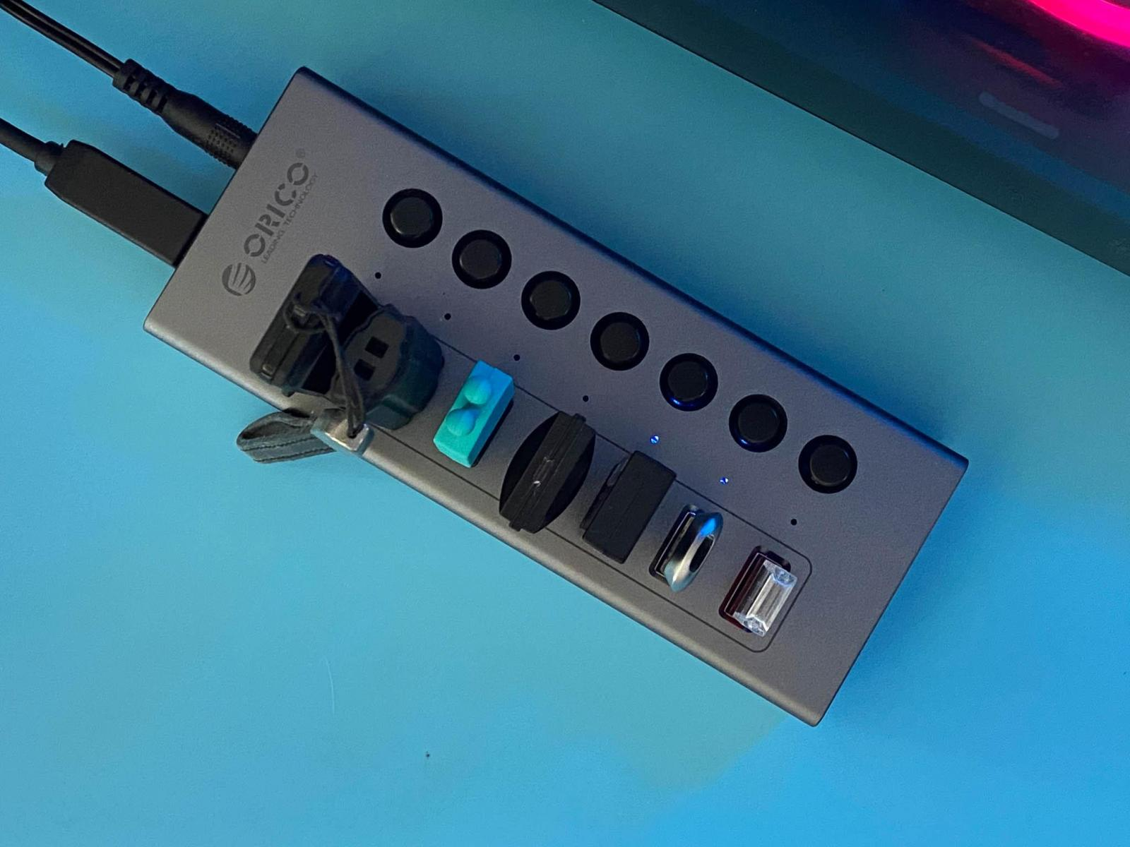 USB接口不够?ORICO 多口带开关USB HUB可以解决
