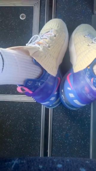 """勒布朗·詹姆斯亲穿展示Nike LEBRON 18 """"LA Days"""""""