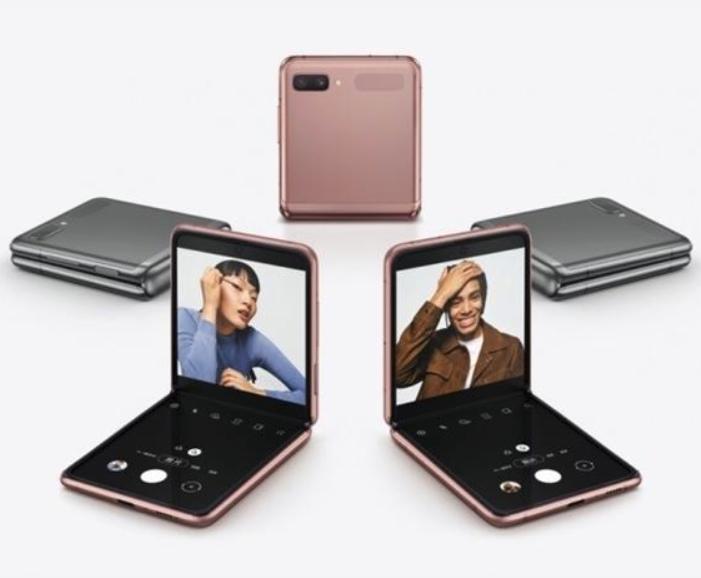「科技犬」已发布折叠屏手机盘点:售价均过万 三星联想最受欢迎