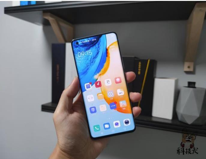外星人发布新款Aurora台式机;二手华为手机持续涨价