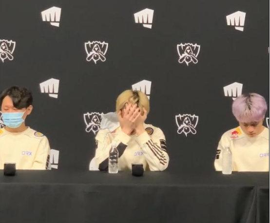 DRX惨遭零封淘汰 Deft赛后采访痛哭 坦言对自己感到失望