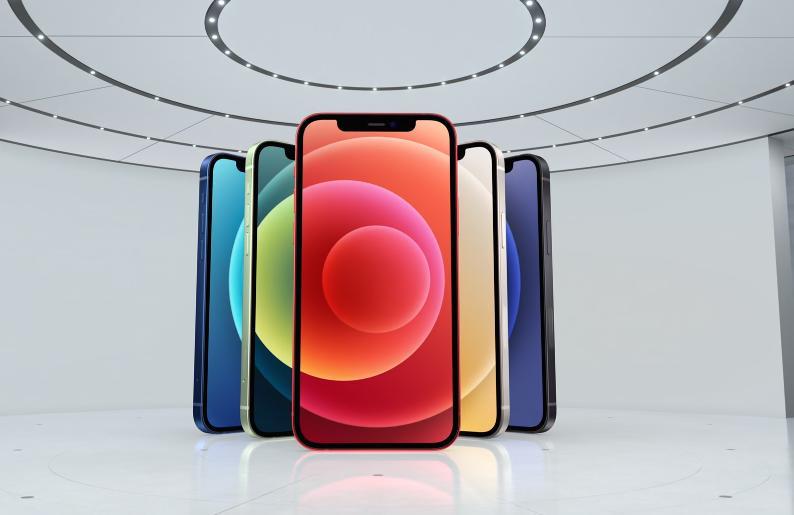 直男钢边无高刷,iPhone 12香在哪儿?网友:守着拼爹爹就够了!