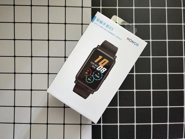 1.64英寸大屏荣耀手表ES,健康全面守护+轻巧时尚