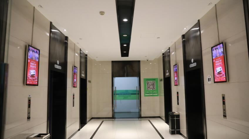 小电梯vs大投射,把广告做到电梯间的当贝投影,野心得有多大?