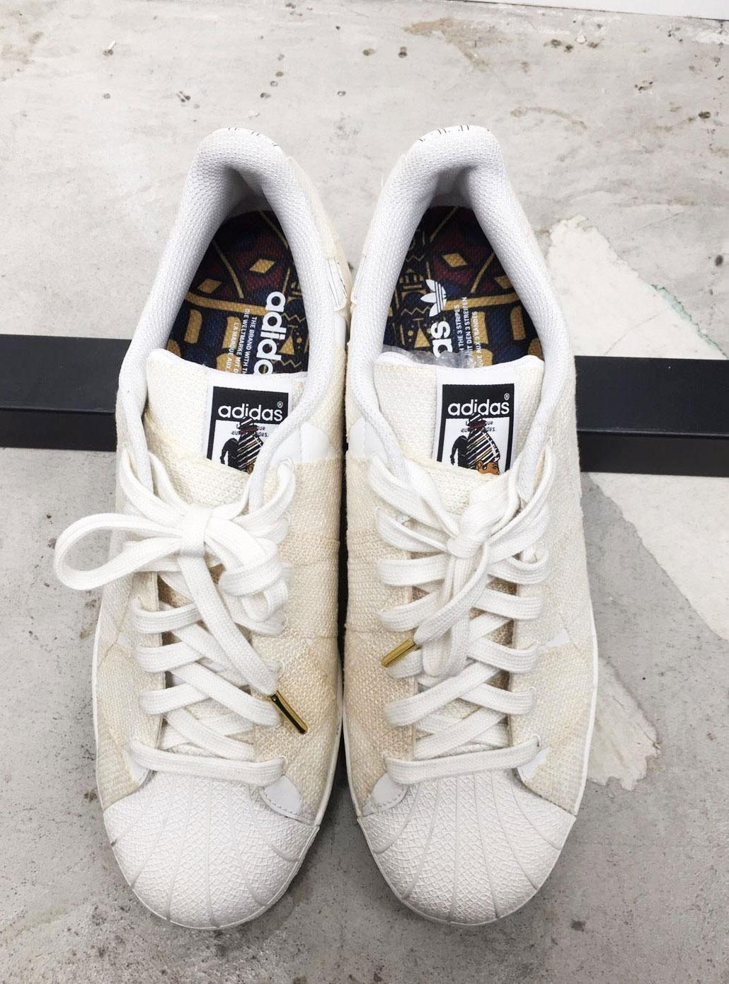 以象棋和万圣节为灵感,adidas Originals 全新系列谍照曝光