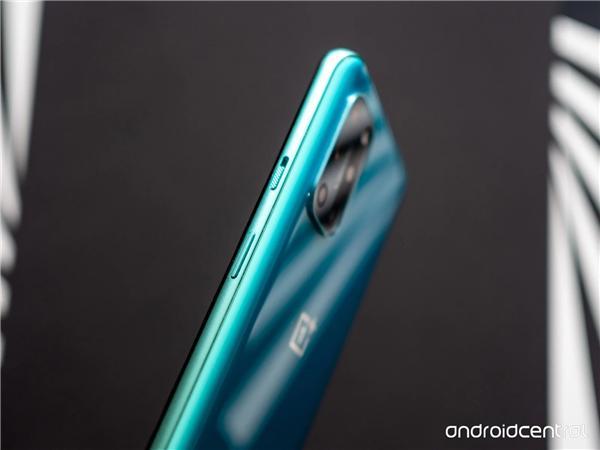 一加8T上手实拍; iPhone 12 Pro 5G表现实测