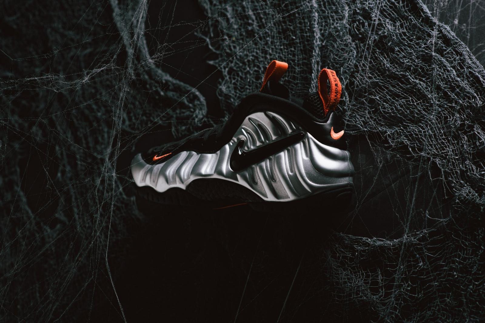 """实拍图赏银/黑/电子橙色Nike Air Foamposite Pro """"Halloween"""""""