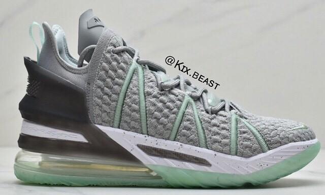 "谍照预览全新Nike LEBRON 18 ""Dunkman"""