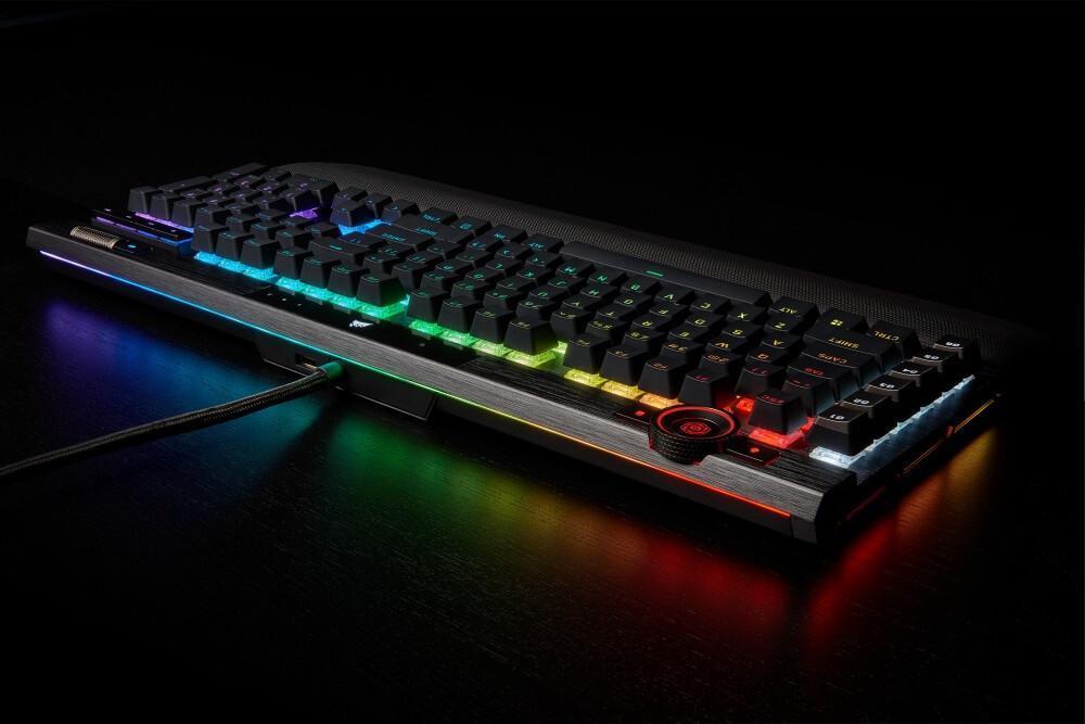 海盗船K100 RGB键盘开卖;希捷推出18TB AI硬盘