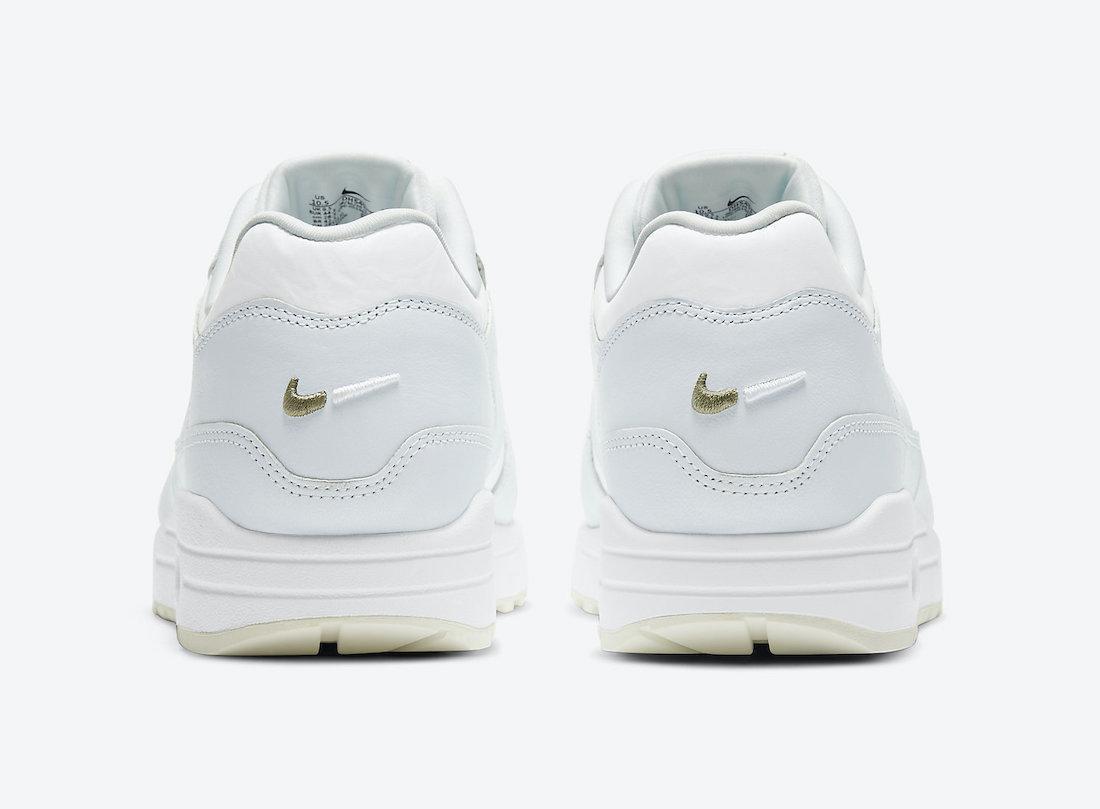 弱化鞋侧Swoosh,预览全新白/芦笋绿色Nike Air Max 1官方产品图