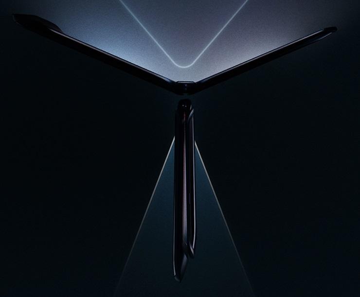 摩托罗拉Razr折叠屏开启预约;鸿蒙系统接近七成安卓水平
