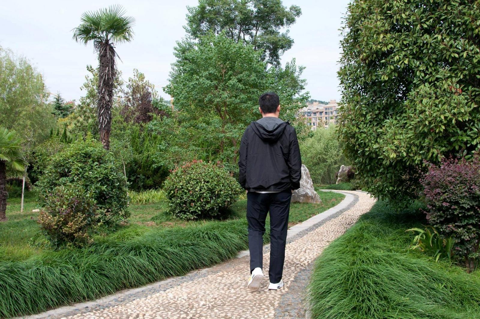 一件夹克穿出运动/休闲两种风格,90分这款新品双面可穿防泼水