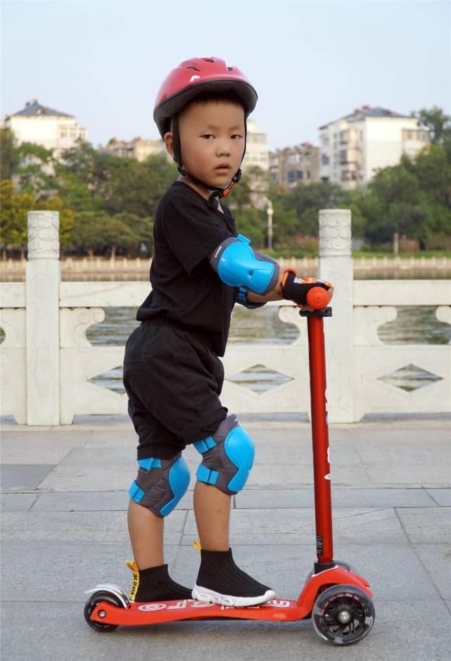 孩子的骑士座驾——m-cro迈古迷嬉豪华版LED滑板车测评
