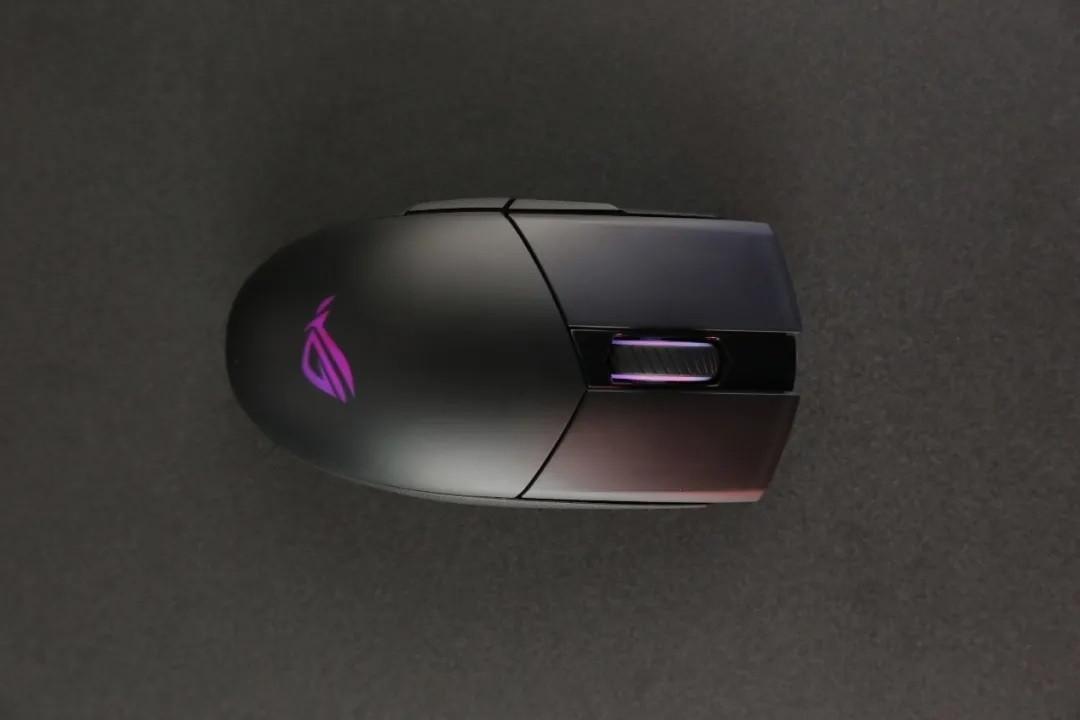 ROG影刃2无线版鼠标开卖; 英特尔Evo笔记本发布