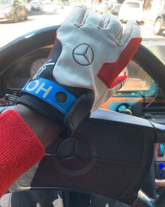 NOWRE|Virgil x Mercedes-Benz 赛车手套曝光